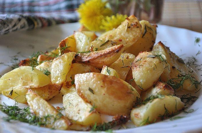 Картопля з розмарином запечений в духовці. Покроковий рецепт з фото
