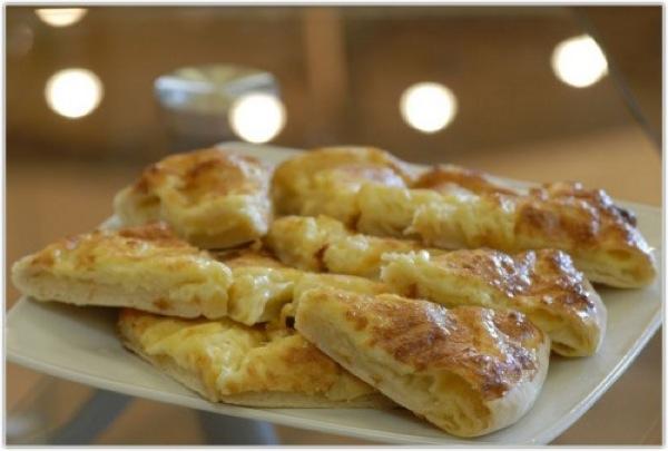 Рецепт приготування хачапурі з листкового тіста