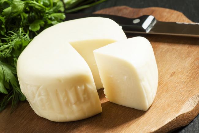 Сир сулугуні: рецепт приготування в домашніх умовах