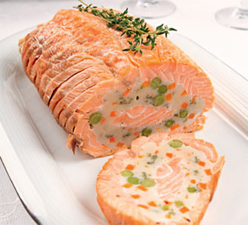 Рулет з лосося на Новий рік. Рецепт з фото