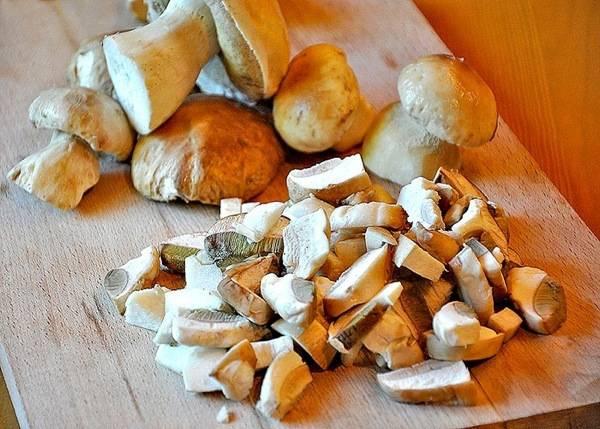 Мариновані білі гриби. Покроковий рецепт з фото