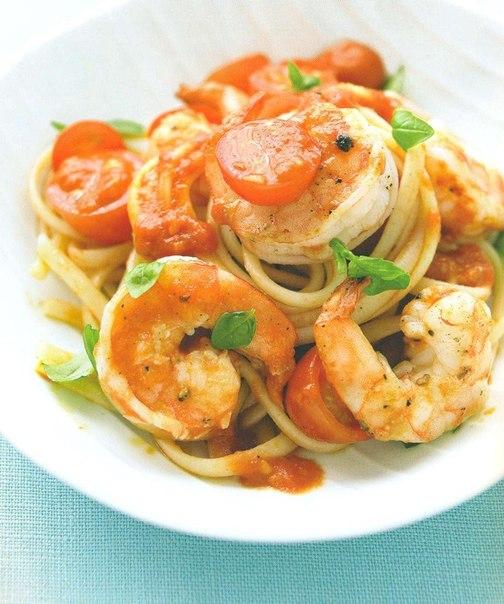 Паста з креветками, помідорами-чері та ароматним базиліком. Рецепт