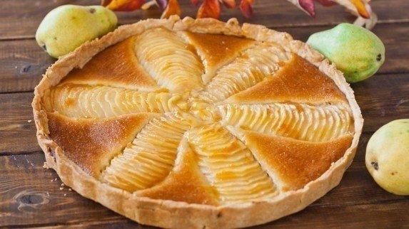 Пиріг «Груші в мигдалевому кремі». Рецепт з фото