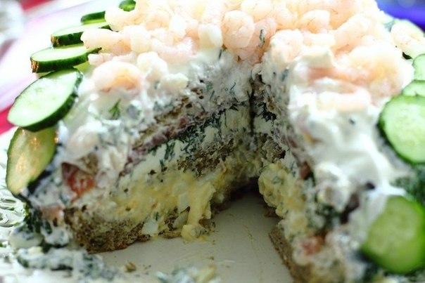 Бутербродний торт з сьомгою і креветками. Покроковий рецепт з фото