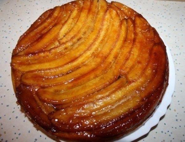 Бананово-карамельний пиріг. Покроковий рецепт з фото