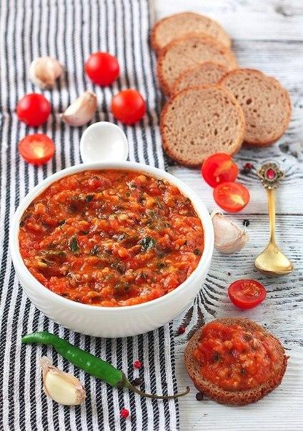 Томатно-часниковий соус до рибних страв. Рецепт