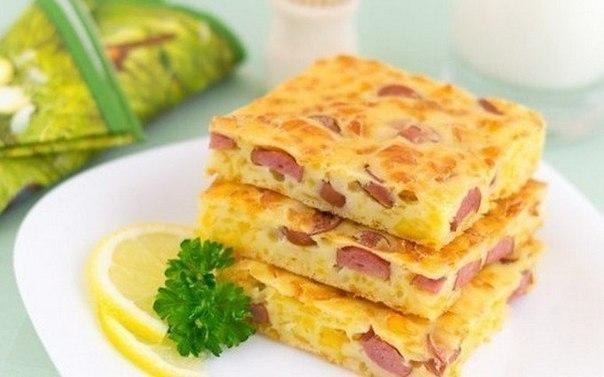 Заливний пиріг з ковбасою та сиром. Рецепт
