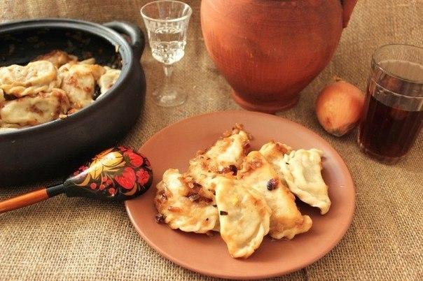Домашні вареники з капустою та з картоплею. Покроковий рецепт з фото